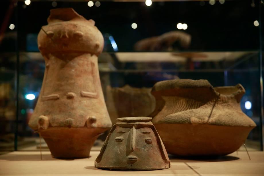 Urnas funerárias de tribos brasileiras na exposição 'Museu Nacional Vive - Arqueologia do Resgate - 25/02/2019