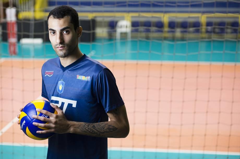 Douglas Souza, jogador do EMS Taubaté