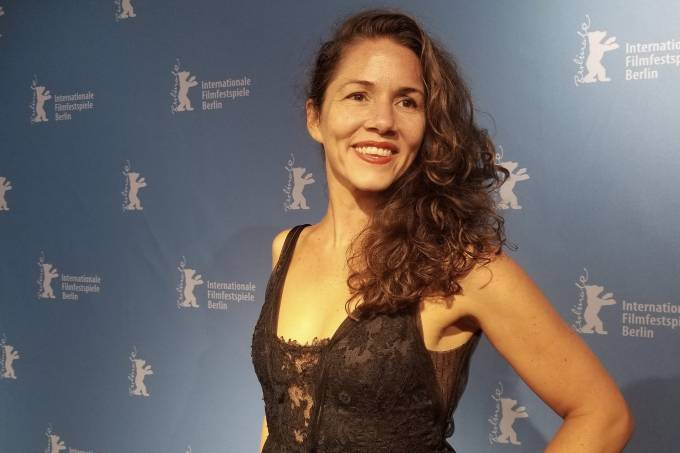 Diretora Eliza Capai no Festival Internacional de Cinema de Berlim