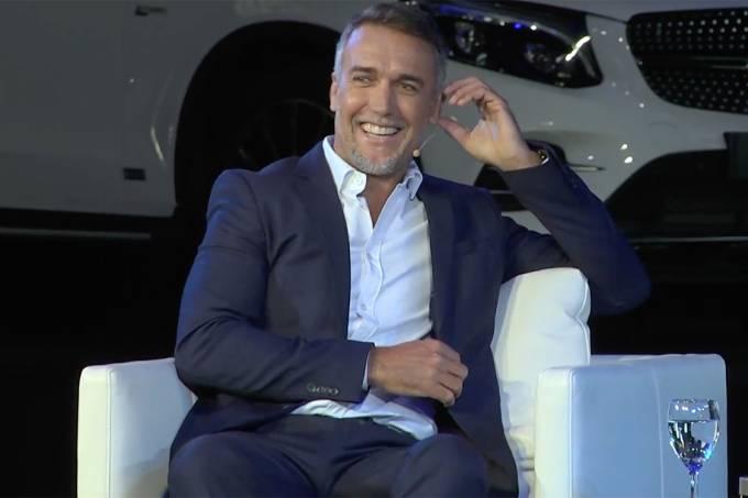 Gabriel Batistuta durante entrevista no 'America Business Forum'