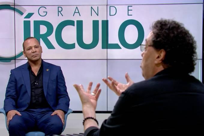 Pai de Neymar e Casagrande durante entrevista