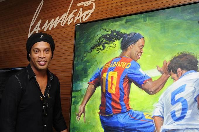 Inauguração de exposição de Ronaldinho Gaúcho