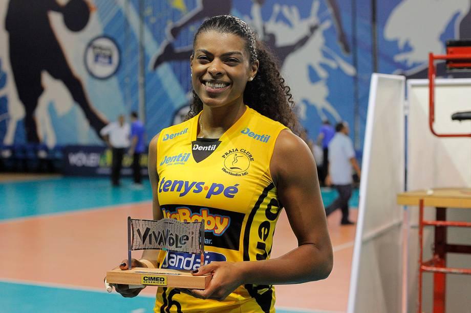 Fernanda Garay, jogadora do Dentil Praia Clube