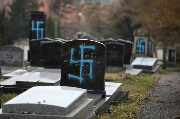 Vandalismo em cemitério judeu