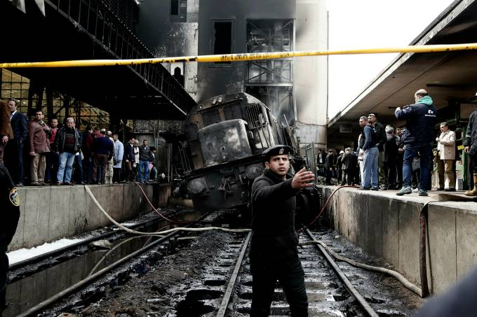 Acidente em estação ferroviária deixa 20 mortos e 40 feridos no Egito
