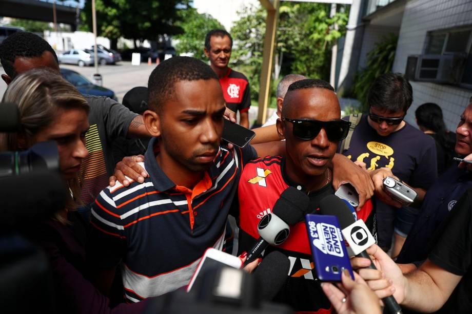 Parentes de Samuel Thomas Rosa, que foi vítima de incêndio no centro de treinamento do Flamengo, comparecem a uma entrevista coletiva no Instituto de Ciências Forenses, no Rio de Janeiro - 09/02/2019