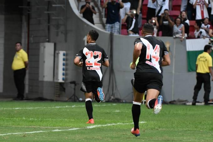 Yago Pikachu marcou o gol da vitória do Vasco sobre o Fluminense