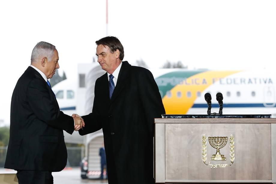 Presidente Jair Bolsonaro cumprimenta o primeiro-ministro Benjamin Netanyahu, durante Cerimônia Oficial de chegada à Israel - 31/03/2019