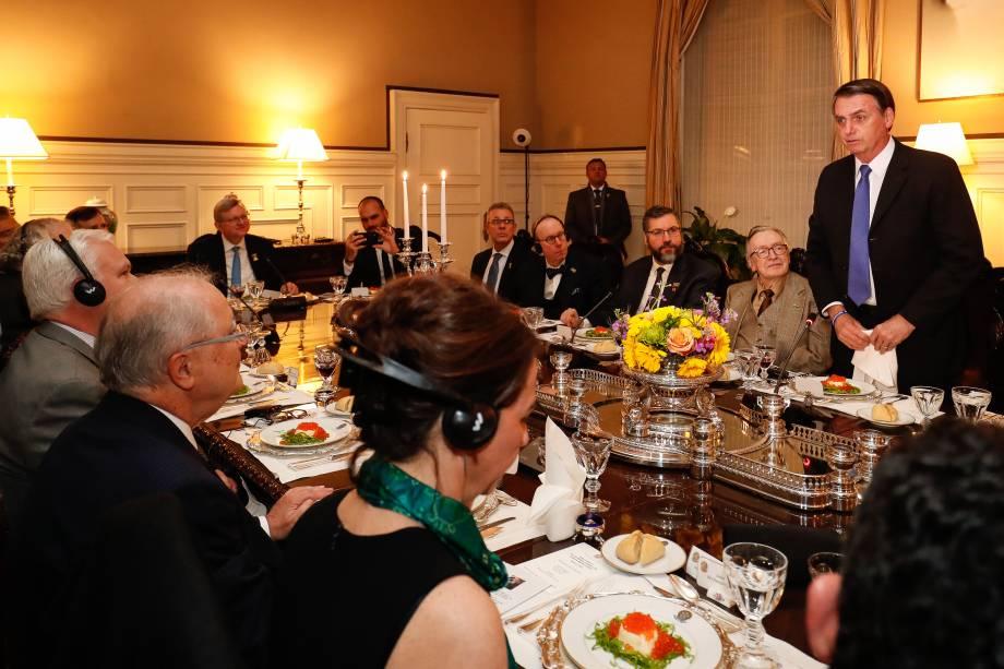 Presidente Jair Bolsonaro durante jantar com representantes do conservadorismo em Washington - 17/03/2019
