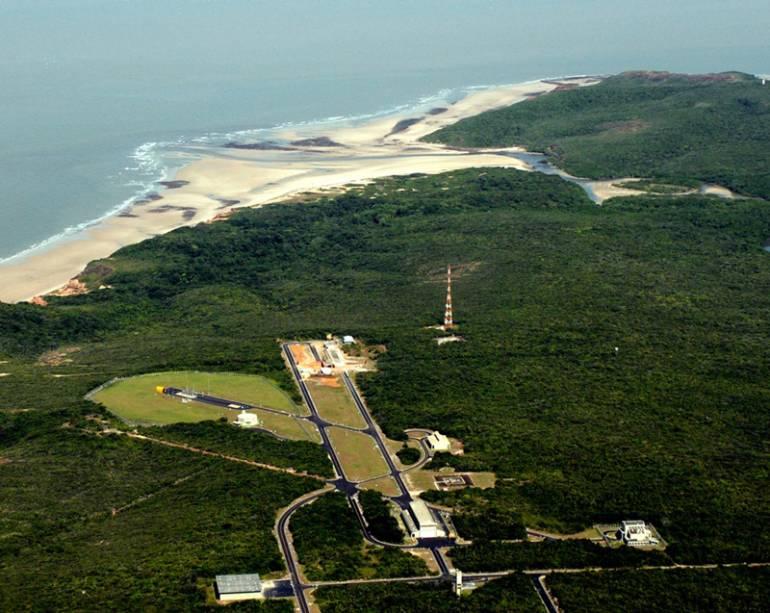 Vista aérea das instalações do Centro de Lançamento de Alcântara (CLA), no Maranhão