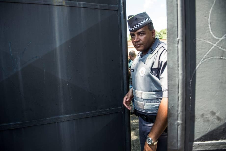 Policiais isolam área da Escola Estadual Raul Brasil em Suzano, cidade na Grande São Paulo após dois adolescentes abrirem fogo contra estudantes - 13/03/2019