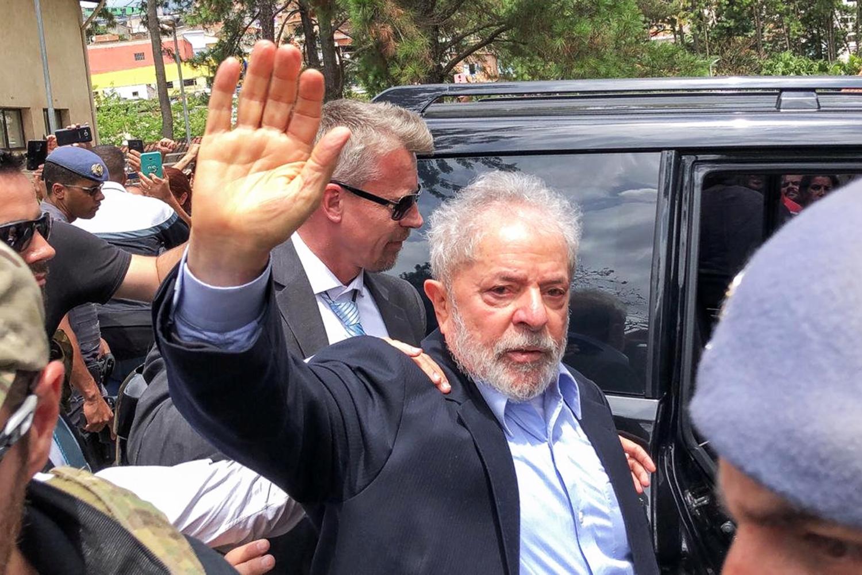 O ex-presidente Lula retorna para a Superintendência da Polícia Federal, em Curitiba (PR), após participar do velório de seu neto, Arthur Lula da Silva - 02/03/2019