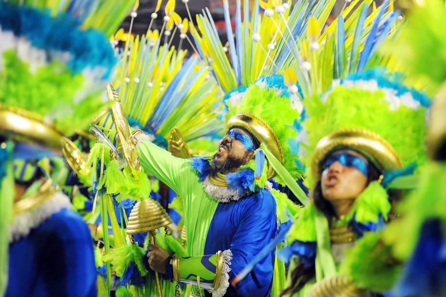Comissão de frente da Mangueira no segundo dia de desfile na Marquês de Sapucaí - 05/03/2019