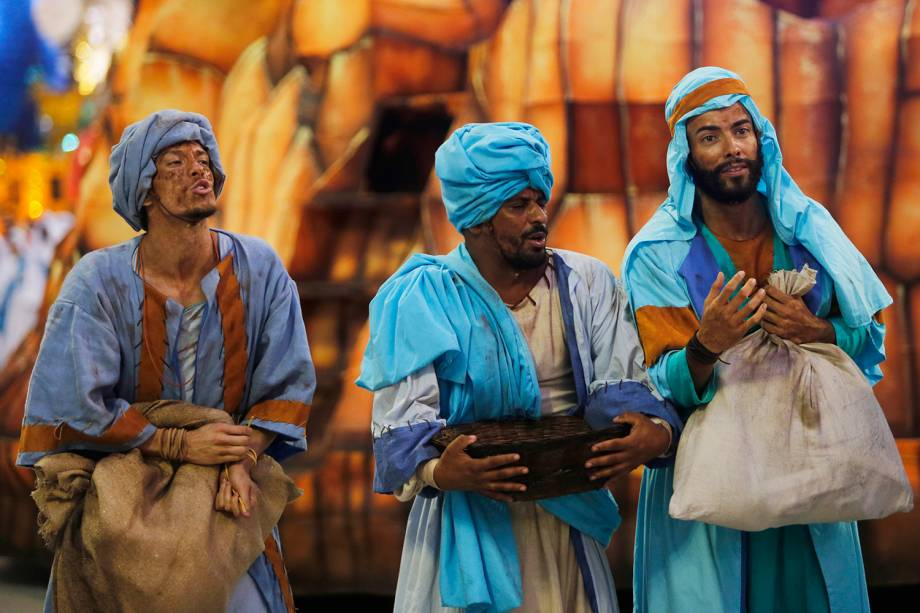 Unidos da Tijuca encerra a primeira noite de desfiles contando a história do mundo através do pão - 04/03/2019
