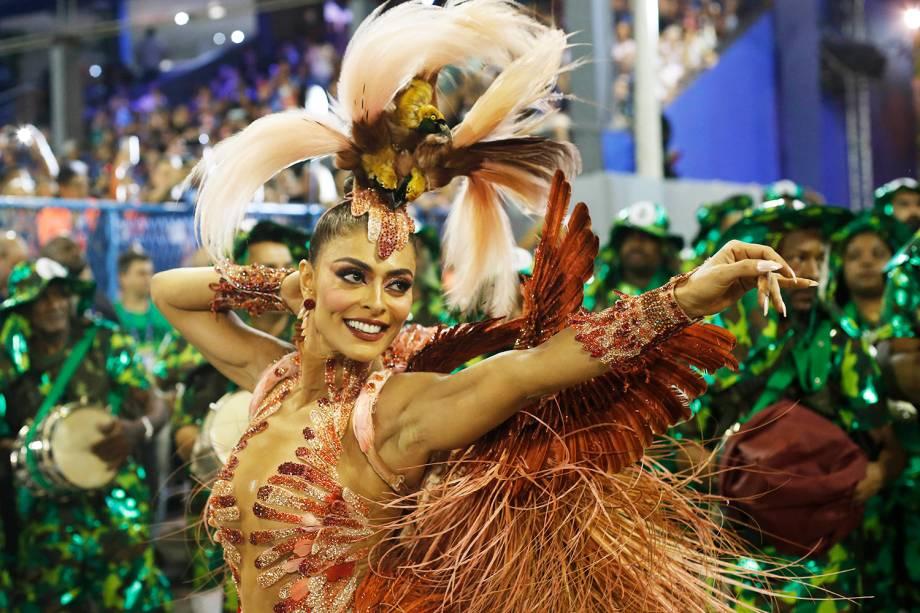 Juliana Paes, rainha de bateria da escola de samba Acadêmicos do Grande Rio, durante desfile no Sambódromo da Marquês de Sapucaí - 04/03/2019