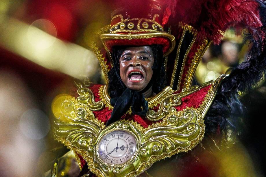 Com o enredo 'A invenção do tempo - Uma odisséia em 65 minutos', a escola de samba Dragões da Real desfila no Sambódromo do Anhembi - 03/03/2019