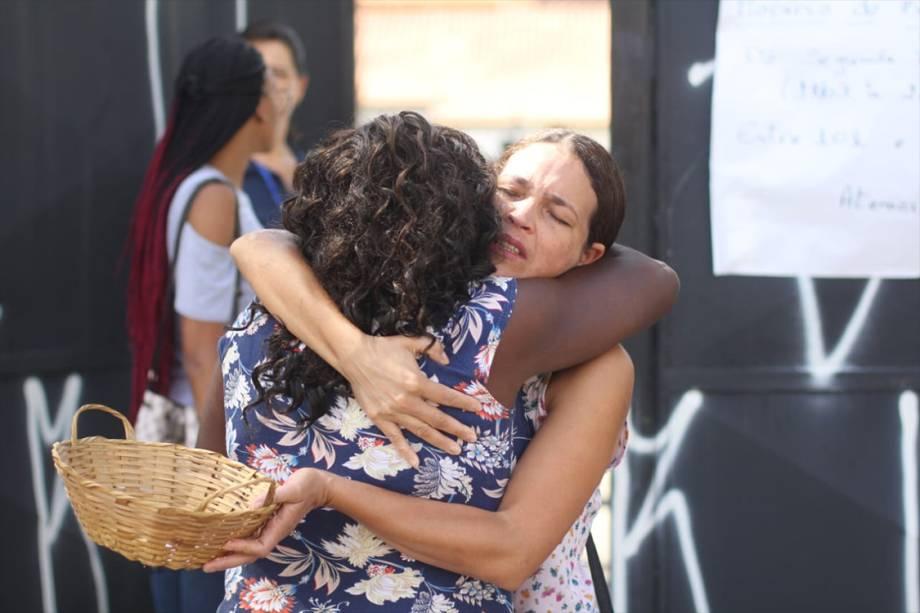 Movimentação em frente à Escola Estadual Raul Brasil, em Suzano (SP), na manhã desta terça-feira, quando os alunos são liberados a voltarem para a escola para participar de atividades de acolhimento - 19/03/2019