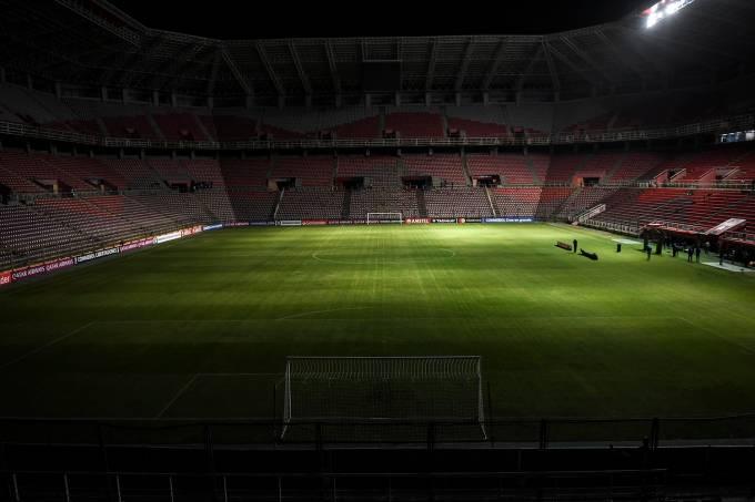 O jogo entre Deportivo Lara e Emelec foi adiado ontem por falta de luz na Venezuela