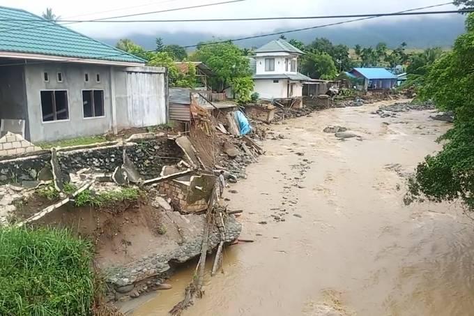 Inundação na Indonésia