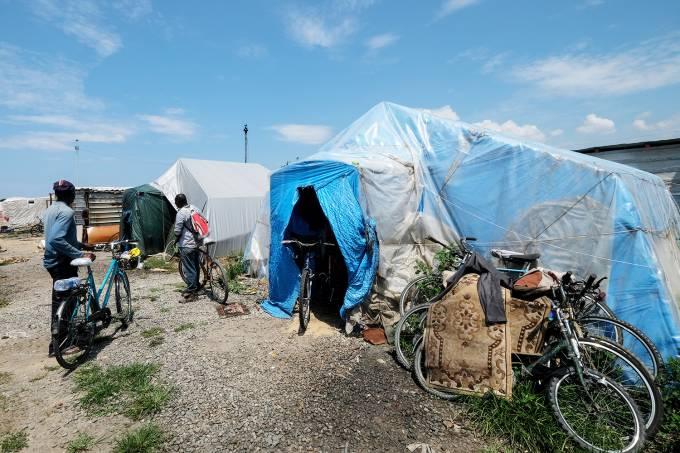 Campo de refugiados em San Ferdinando