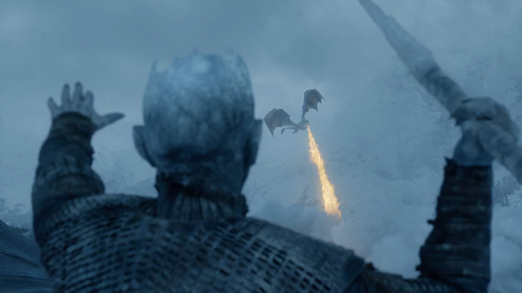 Rei da Noite joga lança em Viseryon em cena do episódio 6 da temporada 7 de 'Game of Thrones'