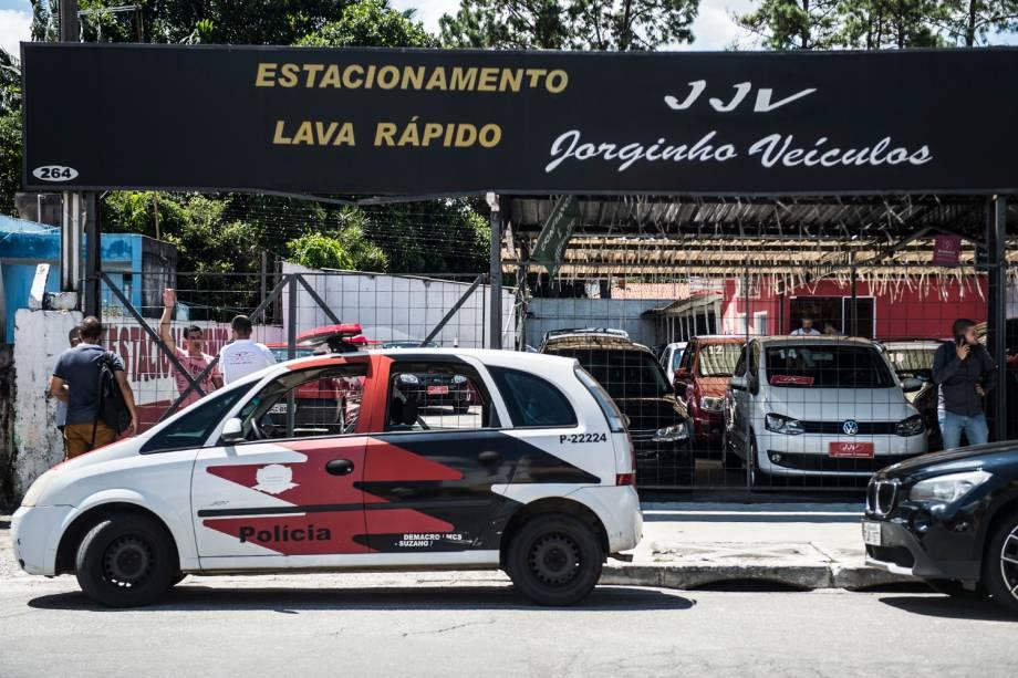 Concessionária onde os adolescentes roubaram o veículo em Suzano, cidade na Grande São Paulo - 13/02/2019