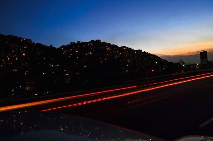 Energia começa a ser restabelecida Venezuela