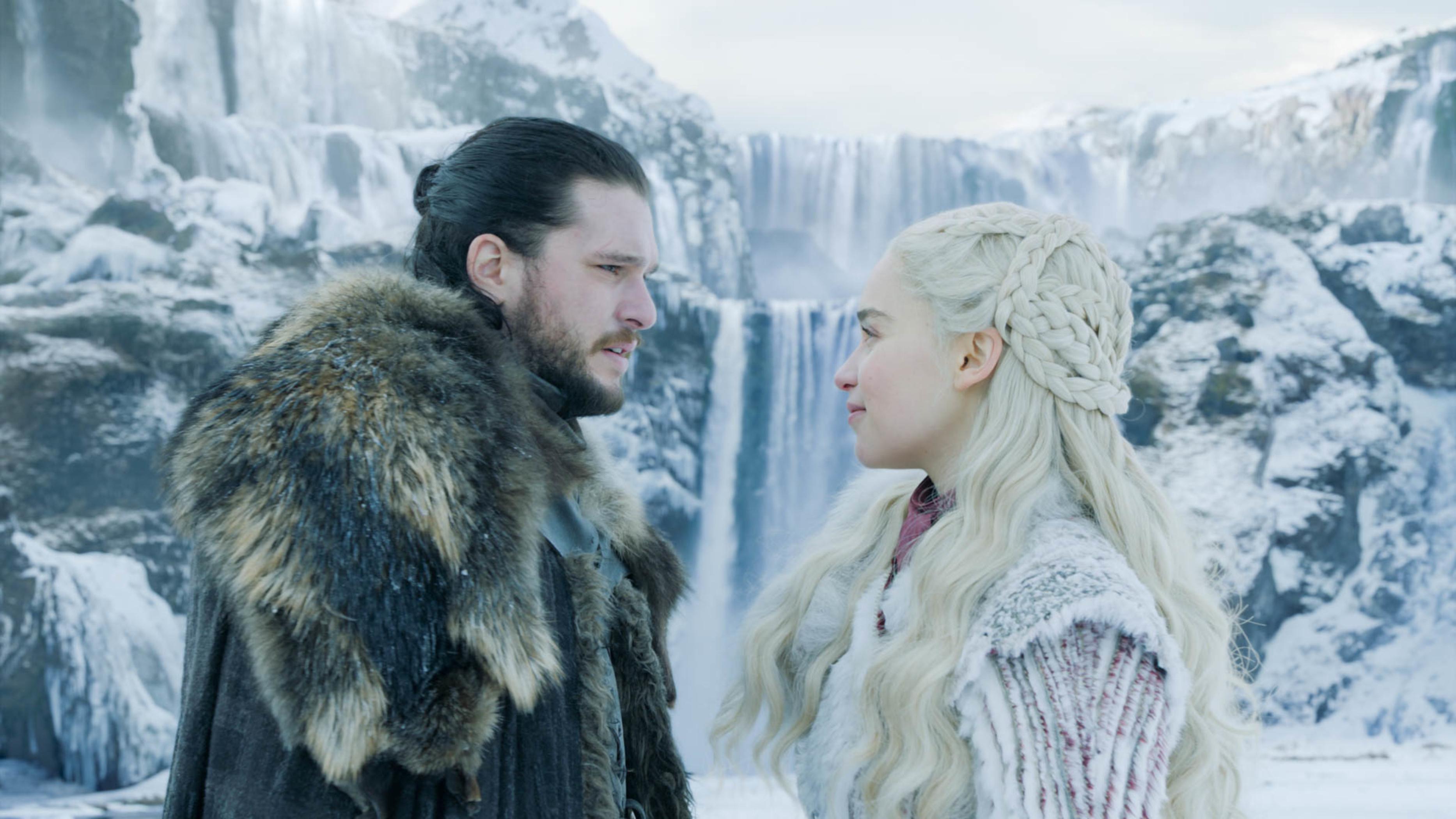 Jon Snow (Kit Harrington) e Daenerys (Emilia Clarke) em cena da potava temporada de 'Game of Thrones'