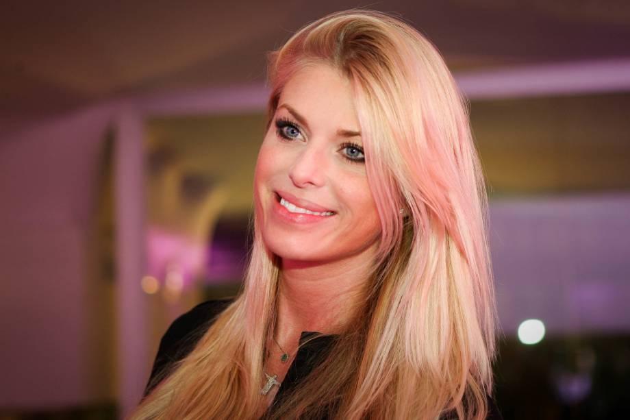 A modelo e apresentadora Caroline Bittencourt, 37