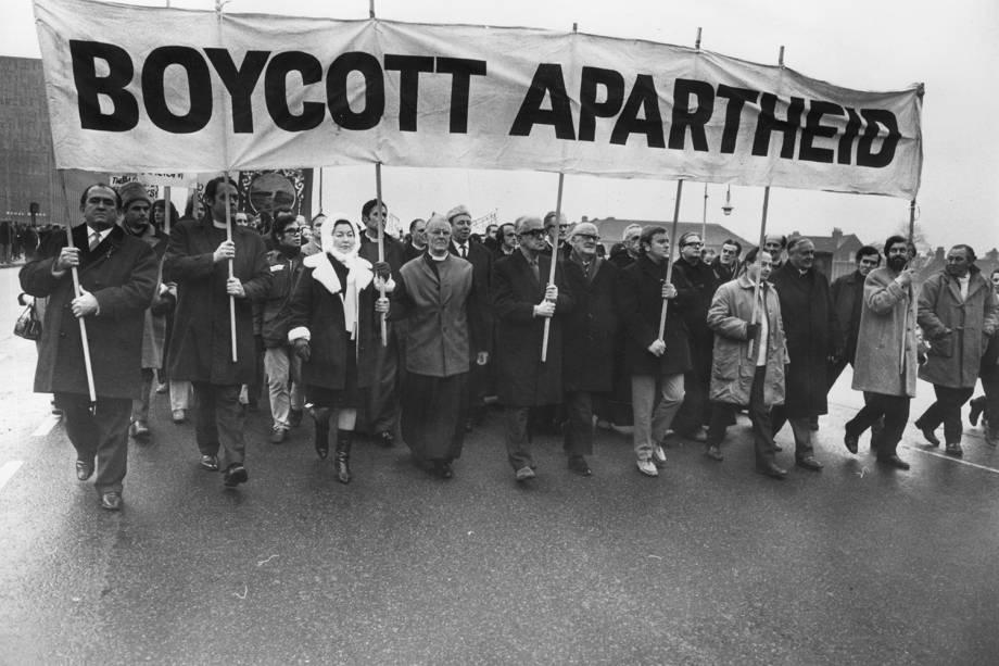 Manifestantes protestam contra o Apartheid - 20/12/1969