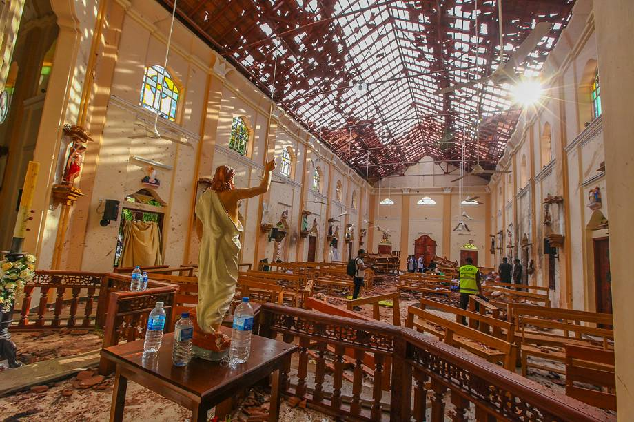 Destruição é vista na igreja de São Sebastião em Negombo, ao norte de Colombo, Sri Lanka - 21/04/2019