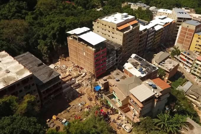 Prédios desabam na Muzema, no Rio