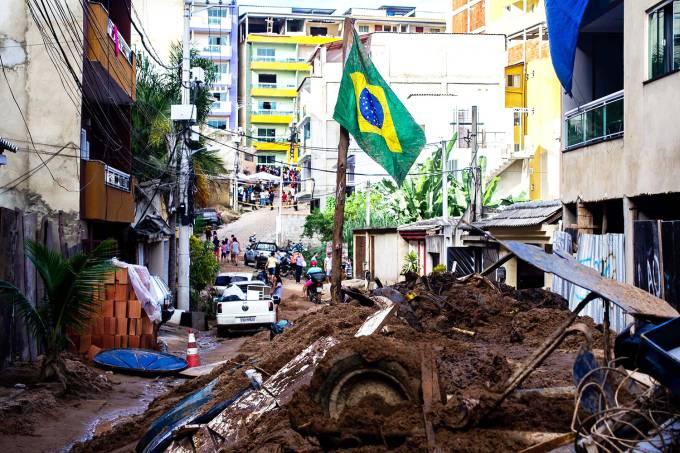 Desabamento de prédios em Muzema, no Rio