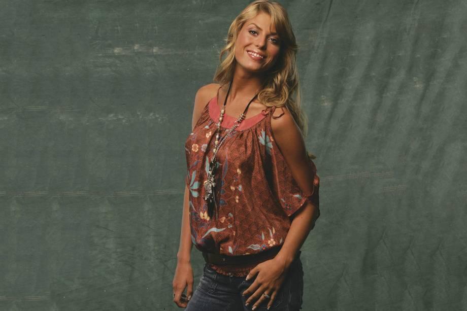 """Caroline Bittencourt no ensaio para a matéria """"As mais belas da cidade"""", da revista Veja São Paulo em 2006"""