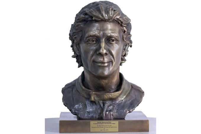 Escultura de Ayrton Senna