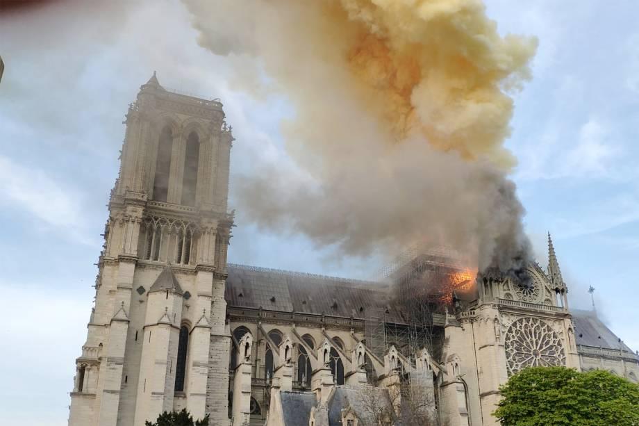 Incêndio na Catedral de Notre-Dame, em Paris