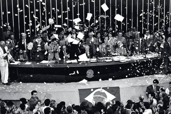 Promulgação da Constituição de 1988 – Gervásio Baptista
