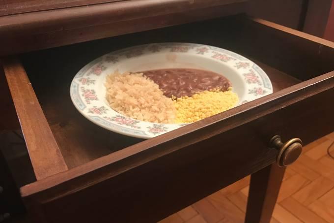 Gaveta com comida