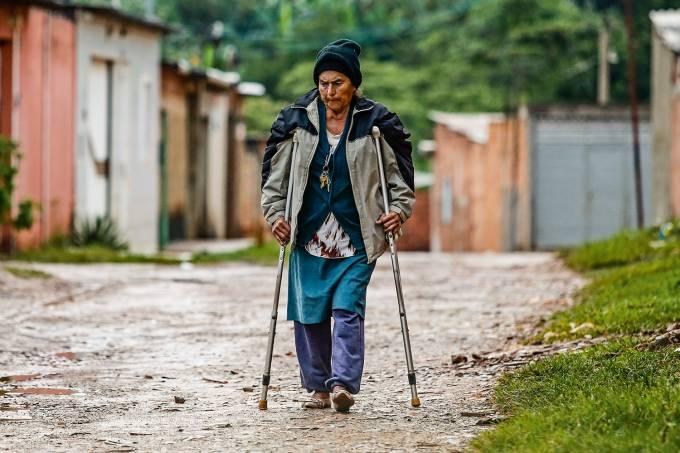 Maria Aparecida Firmo Ferreira, avó de Michelle Bolsonaro, que mora em uma favela
