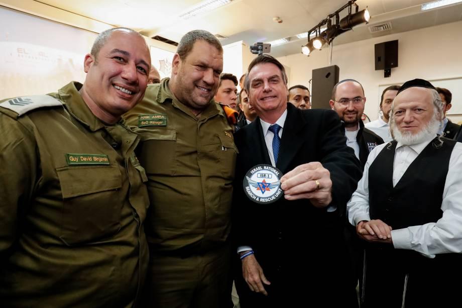 Presidente, Jair Bolsonaro, durante cerimônia de condecoração da Brigada de Busca e Salvamento do Comando da Frente Interna de Israel com a Insígnia da Ordem Nacional do Cruzeiro do Sul em Tel Aviv, Israel - 01/04/2019