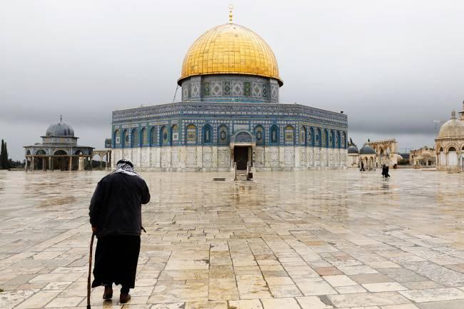 Vista de mesquita em Al-Aqsa, na Cidade Velha de Jerusalém: tudo igual – 14/03/2019