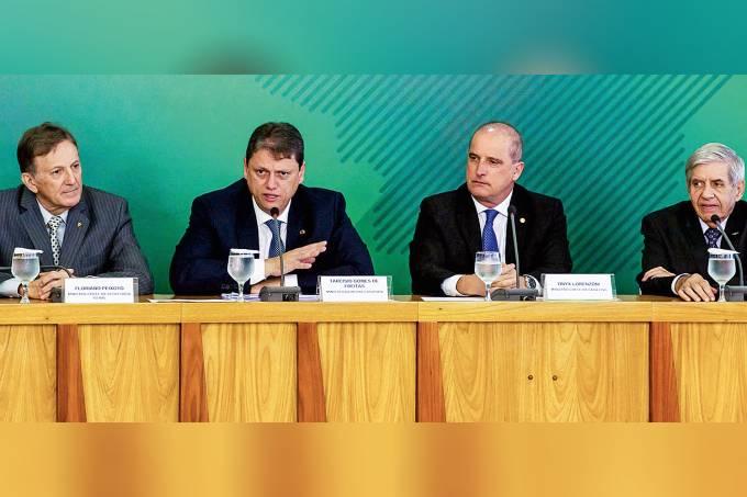 Floriano Peixoto, Tarcísio Gomes, Onyx Lorenzoni e Augusto Heleno