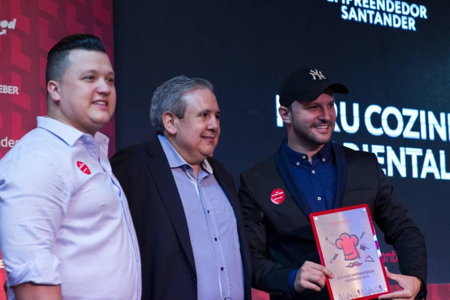 Haru Cozinha Oriental recebe o prêmio Empreendedor Santander