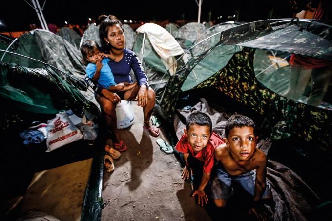 Venezuelanos se refugiam no Brasil