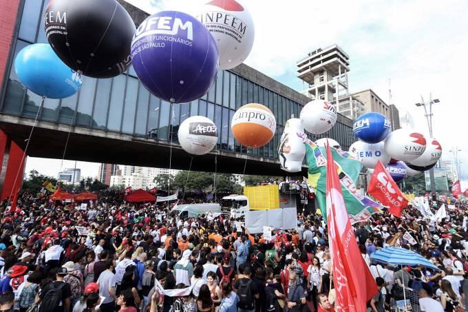 Protestos contra cortes na Educação – São Paulo