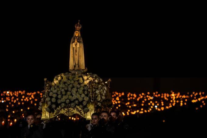 Católicos celebram Nossa Senhora de Fátima
