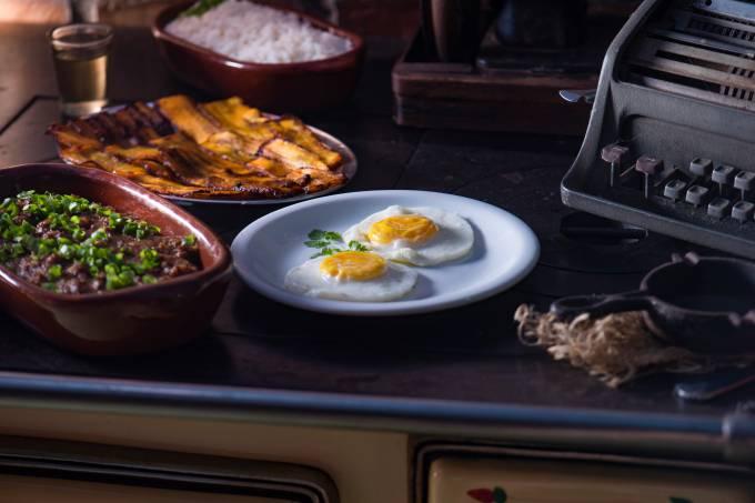 revirado de carne bovina – Fundo de Quintal – Cuiabá