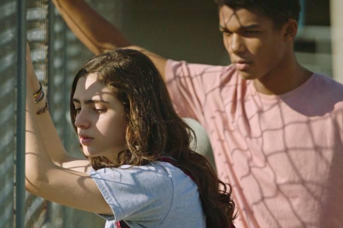 Silvia (Luiza Kosovski) e Artur (Juan Paiva) em 'Sem Seu Sangue'