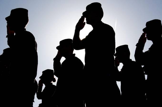 Soldados – Exército