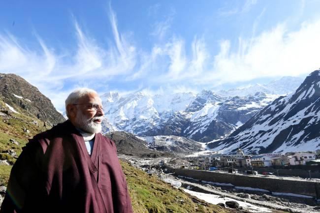 O primeiro-ministro Narendra Modi: meditação no Himalaia e oferendas a Shiva no final das eleições